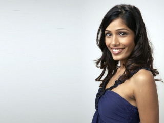 Freida Pinto Smile Background for Android, iPhone and iPad