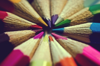 Bright Colors Of Pencils - Obrázkek zdarma pro Sony Tablet S