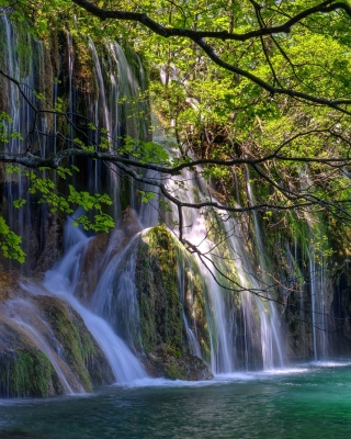 Waterfalls in National park Plitvice - Obrázkek zdarma pro Nokia Asha 202