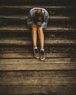 Loneliness - Obrázkek zdarma pro Nokia 5233