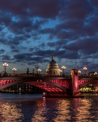 Westminster Bridge in UK - Obrázkek zdarma pro Nokia X1-00