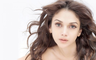 Aditi Rao Hydari Natural Picture for Android, iPhone and iPad