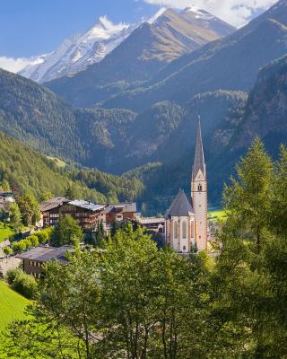 Heiligenblut am Grossglockner in Austria - Obrázkek zdarma pro iPhone 5C