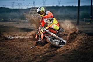 Moto Race - Fondos de pantalla gratis para Sony Ericsson XPERIA PLAY