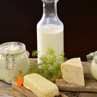 Milk, cheesea and butter - Obrázkek zdarma pro iPad mini