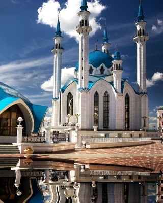 Free Kul Sharif Mosque in Kazan Picture for Nokia N8