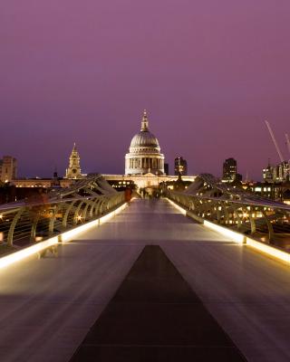 Millennium Futuristic Bridge in London - Obrázkek zdarma pro Nokia Asha 503