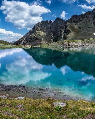 Lake Geneva in Switzerland - Obrázkek zdarma pro 240x432