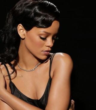 Rihanna - Obrázkek zdarma pro 240x432