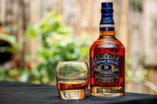 Chivas Regal 18 Year Old Whisky - Obrázkek zdarma pro Fullscreen Desktop 800x600