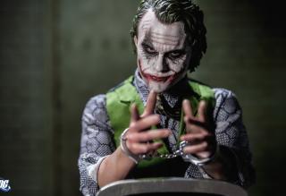 Joker - Fondos de pantalla gratis para Samsung S5367 Galaxy Y TV