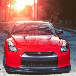 Red Nissan GTR Japanese Sport Car - Obrázkek zdarma pro iPad 2