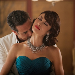 Olga Kurylenko as Vera Evans in Magic City - Obrázkek zdarma pro iPad mini 2