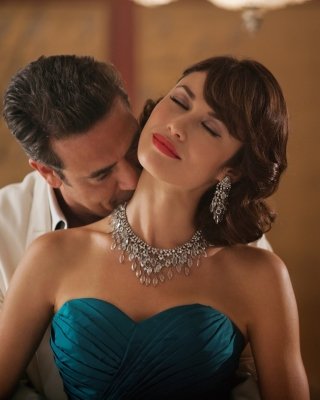 Olga Kurylenko as Vera Evans in Magic City - Obrázkek zdarma pro 480x640