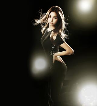Girl In Black - Obrázkek zdarma pro iPad mini 2