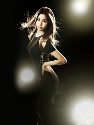 Girl In Black - Obrázkek zdarma pro Nokia Asha 309