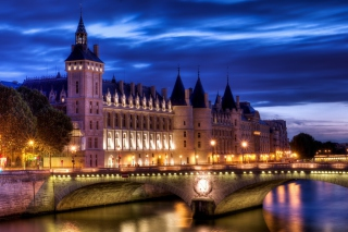 Free La Conciergerie Paris Palace Picture for Android, iPhone and iPad