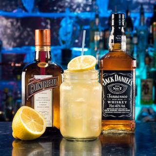 Cointreau and Jack Daniels - Obrázkek zdarma pro 208x208