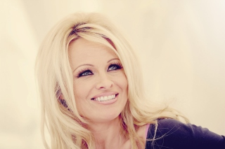 Free Pamela Anderson Picture for Android, iPhone and iPad