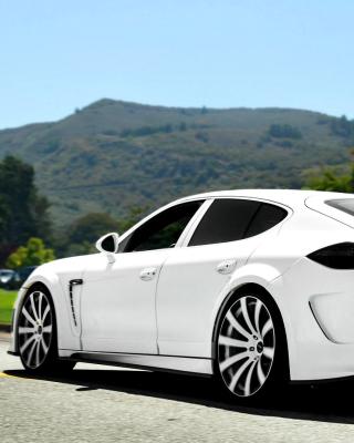 Porsche Panamera Turbo - Obrázkek zdarma pro iPhone 4S