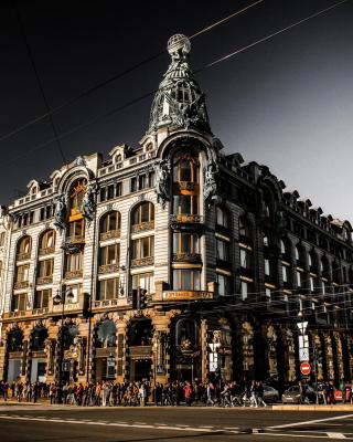 Nevsky Prospekt, Saint Petersburg - Obrázkek zdarma pro Nokia Asha 306