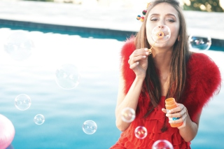 Funny Bubbles - Obrázkek zdarma pro 1366x768