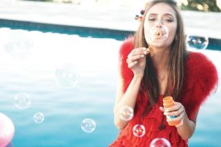 Funny Bubbles - Obrázkek zdarma pro Sony Xperia E1
