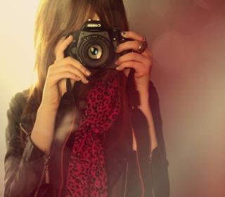 Girl With Canon Camera - Obrázkek zdarma pro iPad