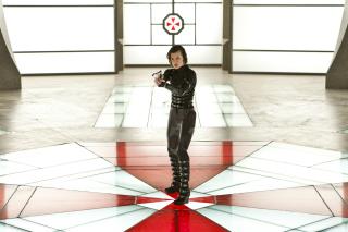 Resident Evil: Retribution - Alice - Obrázkek zdarma pro Motorola DROID 2
