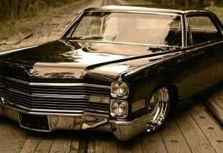 Cadillac - Obrázkek zdarma pro 1366x768