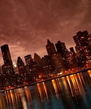 Manhattan Reflections - Obrázkek zdarma pro Nokia 300 Asha