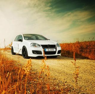 Volkswagen Golf - Obrázkek zdarma pro iPad 2