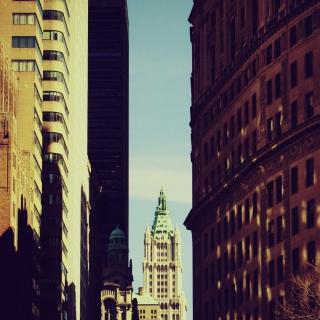 Among The Buildings - Obrázkek zdarma pro iPad 3