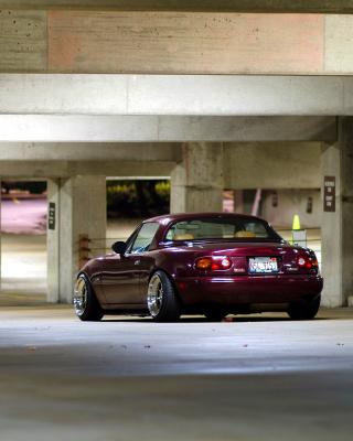 Mazda RX 8 In Garage - Obrázkek zdarma pro Nokia Asha 503