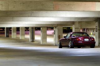 Mazda RX 8 In Garage - Obrázkek zdarma pro 1024x768