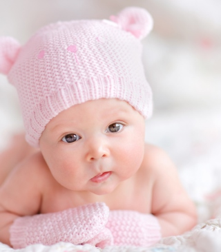 Newborn Girl - Obrázkek zdarma pro 640x960