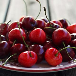 Cherry Plate - Obrázkek zdarma pro iPad