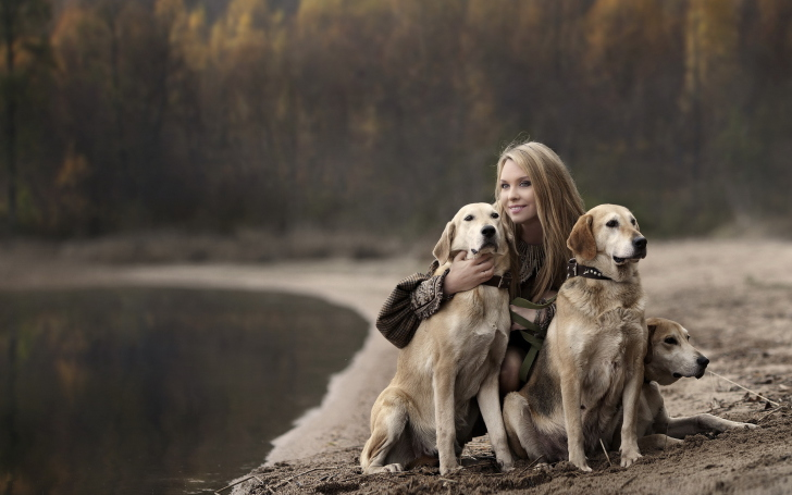 Girl-With-Dogs-wide-i.jpg (728×455)