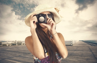Pretty Photographer Picture for Android, iPhone and iPad