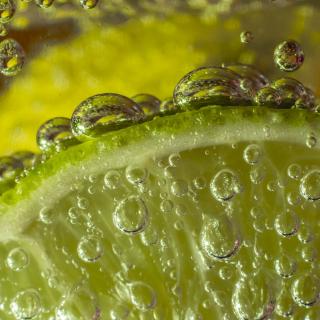 Green Lime Bubbles - Obrázkek zdarma pro iPad Air