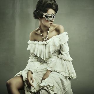 Woman in Mask - Obrázkek zdarma pro iPad 3