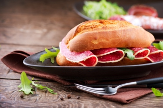Salami Sandwich - Obrázkek zdarma pro 1024x600
