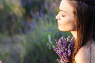 Free Lavender Girl Picture for Android, iPhone and iPad