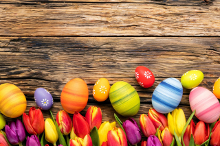 Free Easter bright eggs Picture for Android, iPhone and iPad