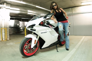 Ducati Bike Model - Obrázkek zdarma pro LG P700 Optimus L7