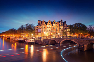 Free Amsterdam Attraction at Evening Picture for Android, iPhone and iPad