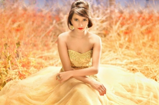 Golden Lady Background for Android, iPhone and iPad