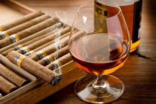 Free Cognac vs Cigars Picture for Android, iPhone and iPad