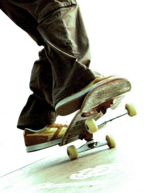 Skateboard - Obrázkek zdarma pro Nokia Asha 309