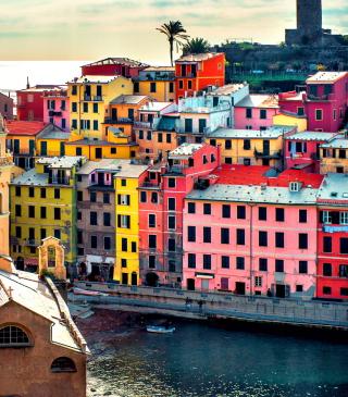 Colorful Italy City - Obrázkek zdarma pro Nokia C2-03